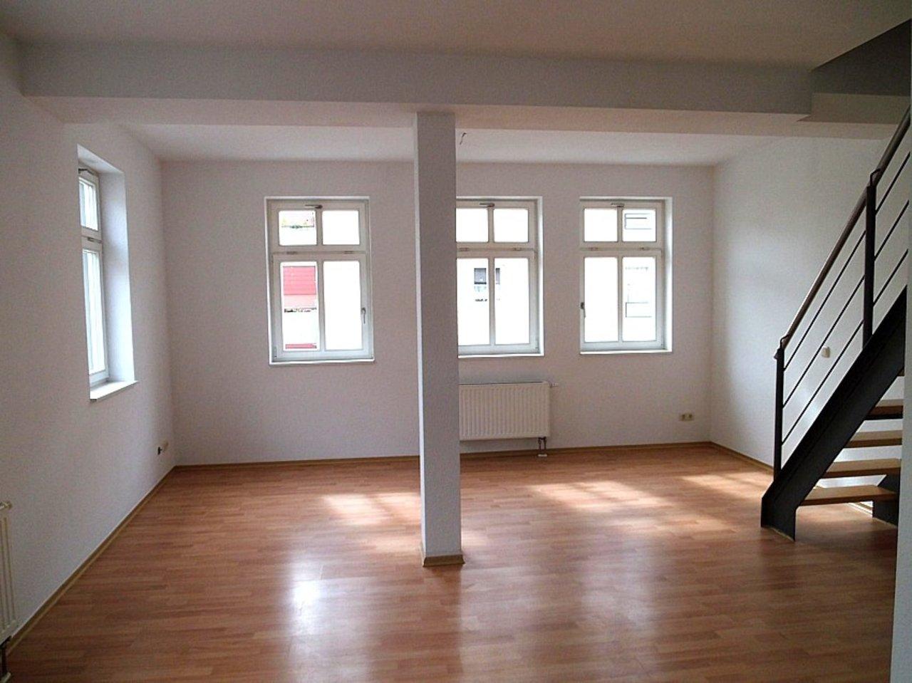 Helle und freundliche Maisonettewohnung mit kleinem Freisitz im Stadtzentrum-Wohnen