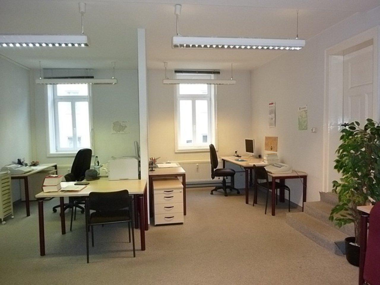 Repräsentatives, großzügiges Büro mit Parkplätzen im Stadtzentrum-Büro