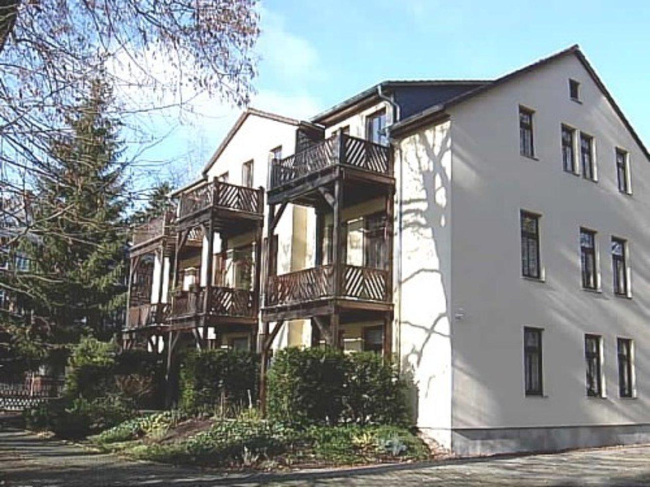 Attraktive, sonnige 2-Zimmerwohnung in bester Lage von Arnstadt-Hausansicht