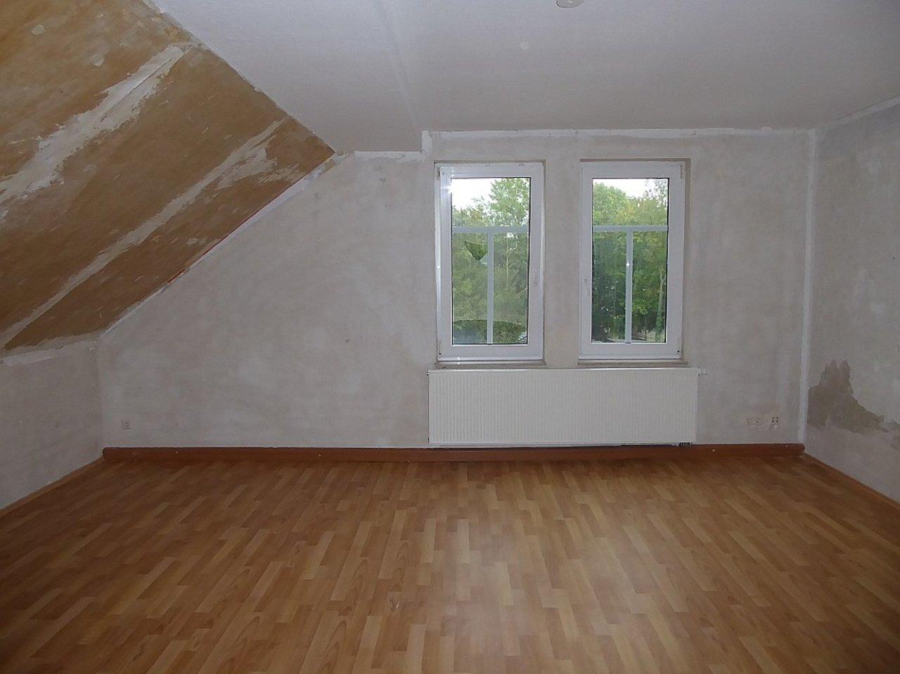 Individuelle 3-Zimmer-DG-Wohnung mit ausgebautem Dachspitz in Arnstadt-Wohnen