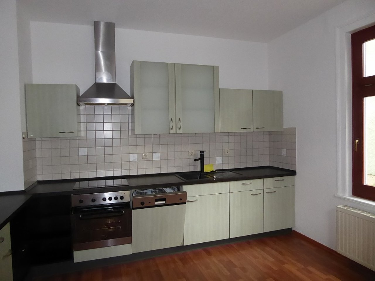 Großzügige 3-Zimmerwohnung mit Kamin und Einbauküche-Küche
