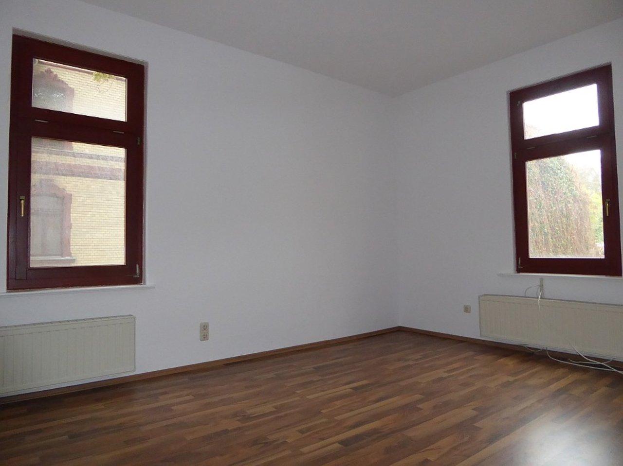 Großzügige 3-Zimmerwohnung mit Kamin und Einbauküche-Schlafen