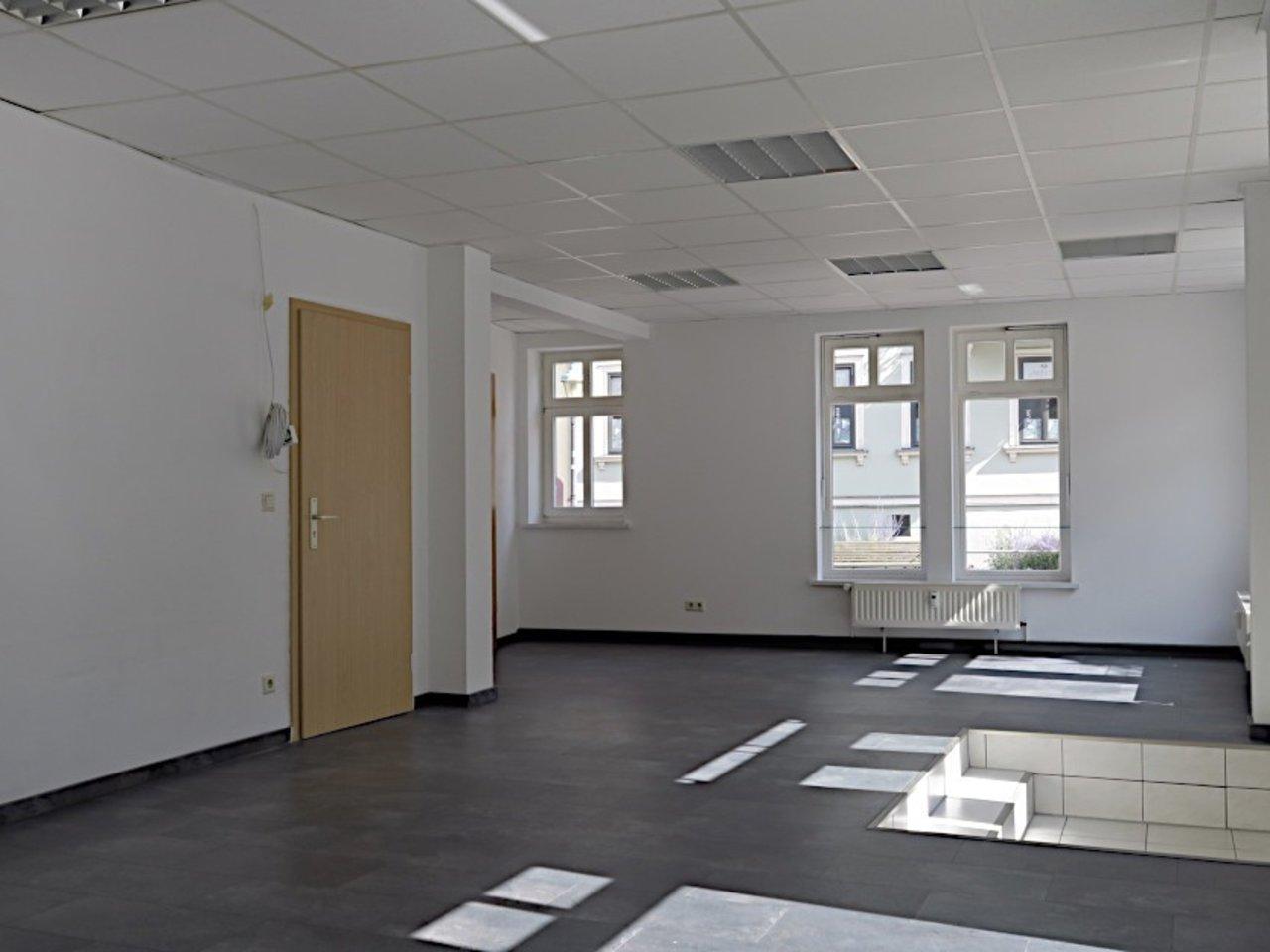 Ansprechendes Ladenlokal bzw. Büro im Zentrum von Arnstadt-Gewerberaum