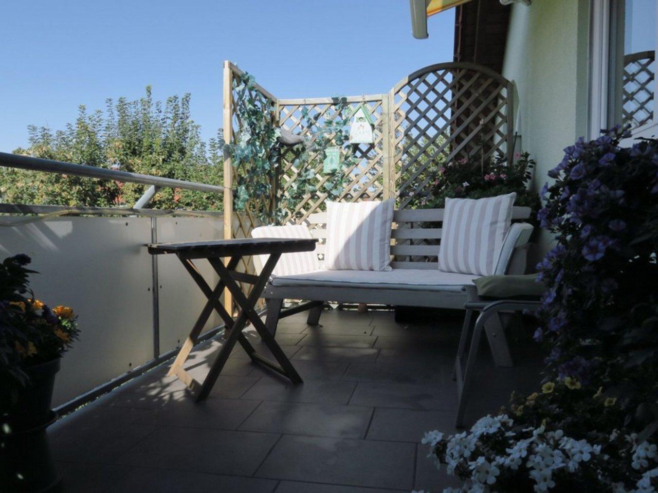 Solide Anlage! Charmante, vermietete DG-Eigentumswohnung in Arnstadt-Balkon der Wohnung