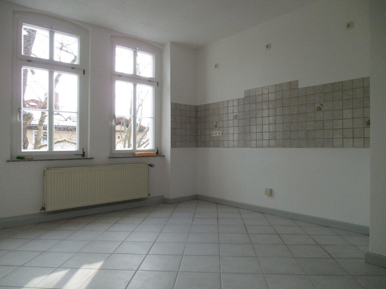 Reizvolle, großzügige DG-Wohnung mit viel Raum und individueller Gestaltung-Küche