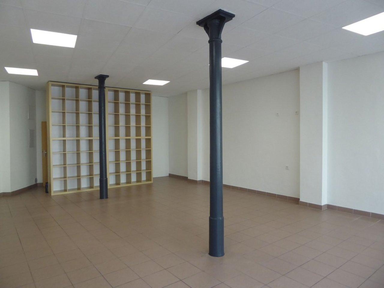 Attraktives, modernes Ladenlokal im Herzen von Arnstadt-Ladenlokal