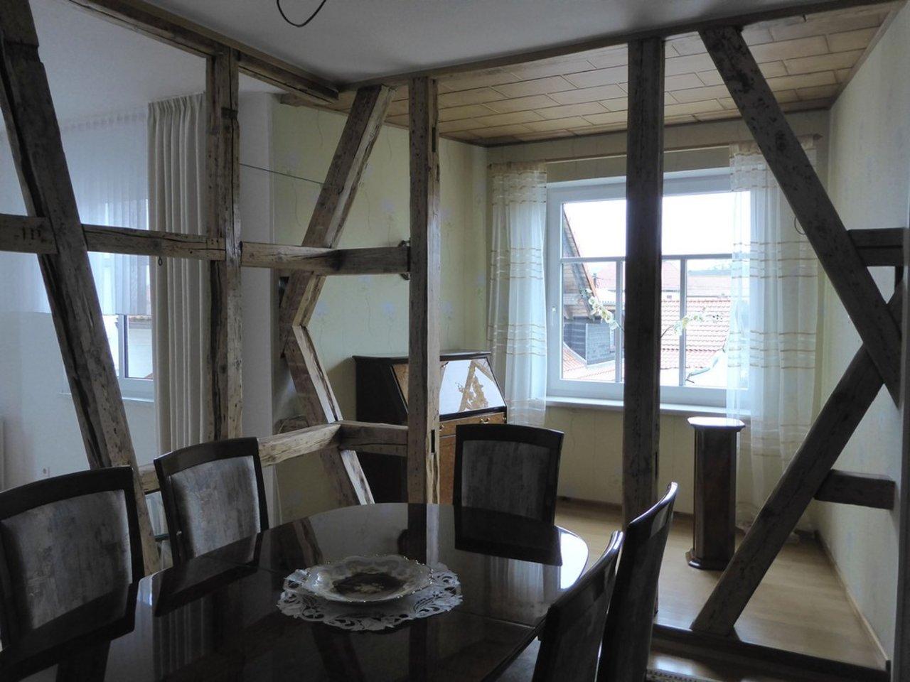 Großzügige, gepflegte Wohnung mit sonniger Terrasse in Witzleben-Essen im OG