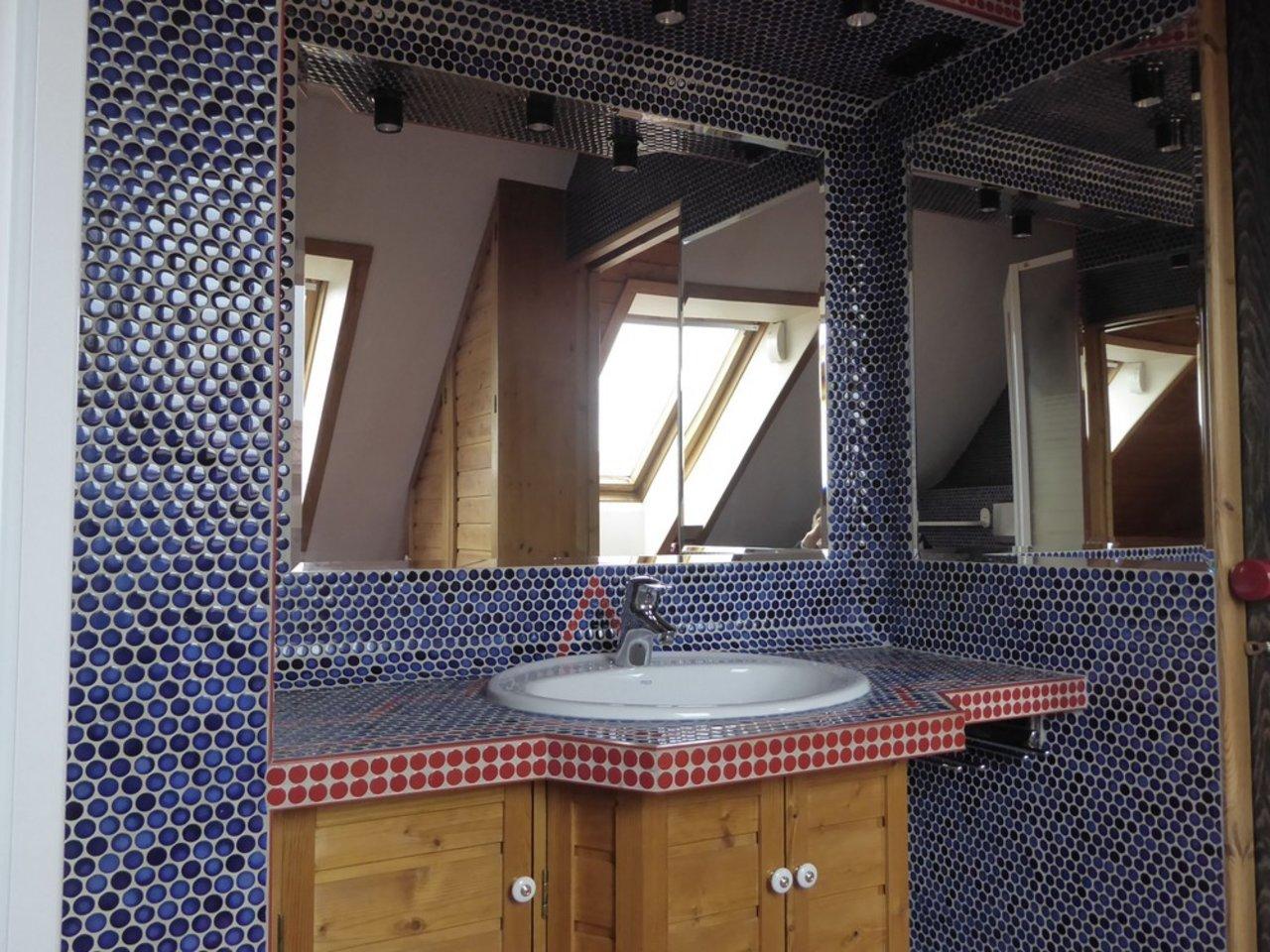 Großzügige, gepflegte Wohnung mit sonniger Terrasse in Witzleben-Duschbad im DG