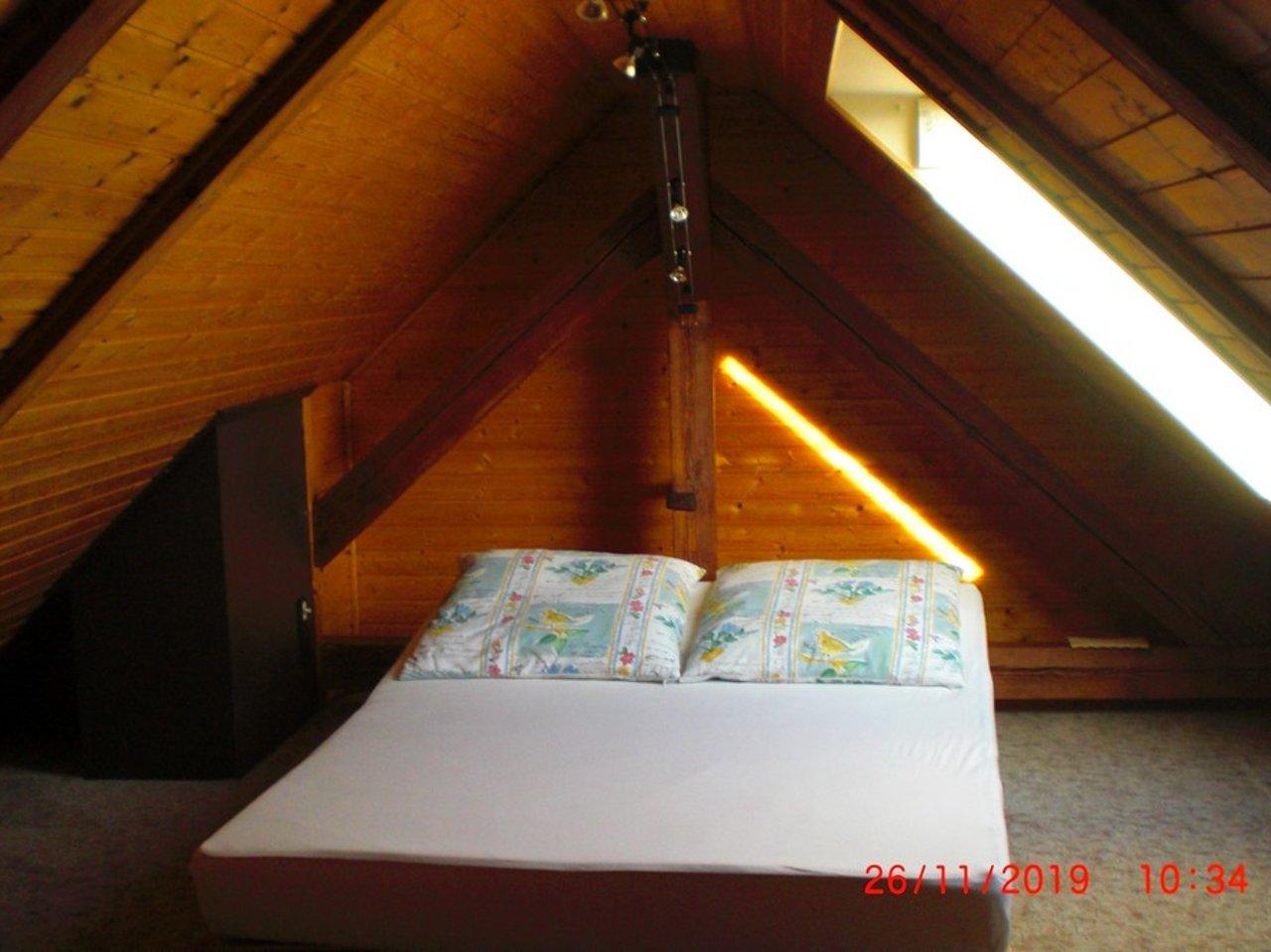 Großzügige, gepflegte Wohnung mit sonniger Terrasse in Witzleben-Ausgebauter Dachspitz