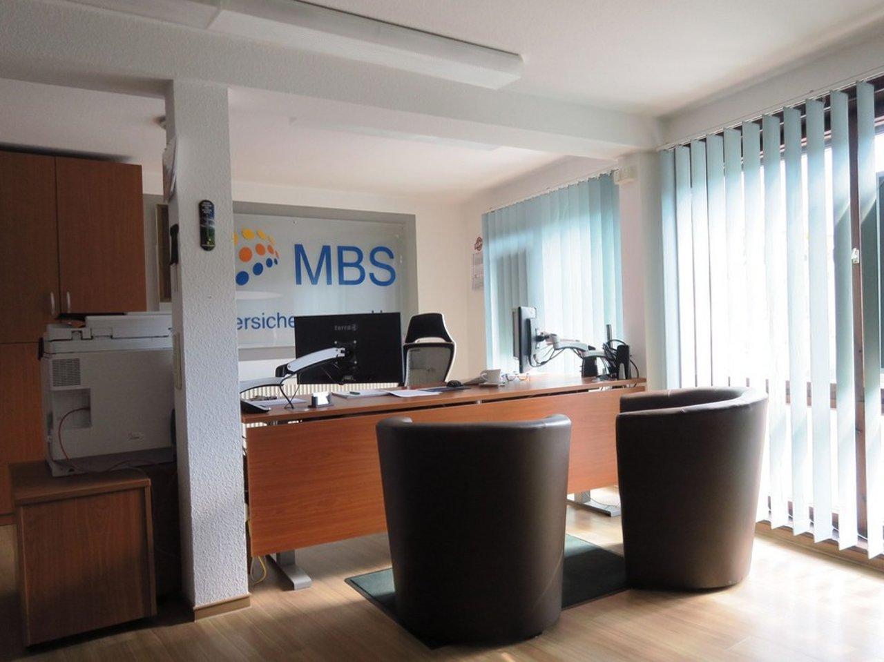 Großzügiges EFH mit Nebengebäude in Gräfenroda-Büro im EG