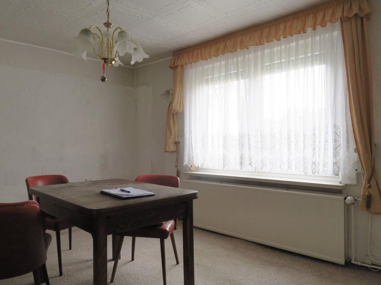 Modernisierungsbedürftiges EFH in beliebter Lage von Arnstadt-Wohnzimmer im EG